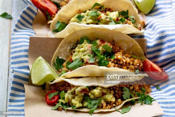 vegan quinoa tacos - carolafink imagens e fotografias de stock