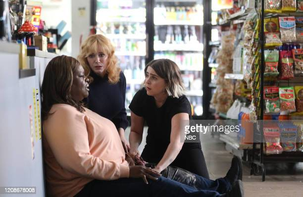 "Vegas, Baby"" Episode 307 -- Pictured: Retta as Ruby Hill, Christina Hendricks as Beth Boland, Mae Whitman as Annie Marks --"
