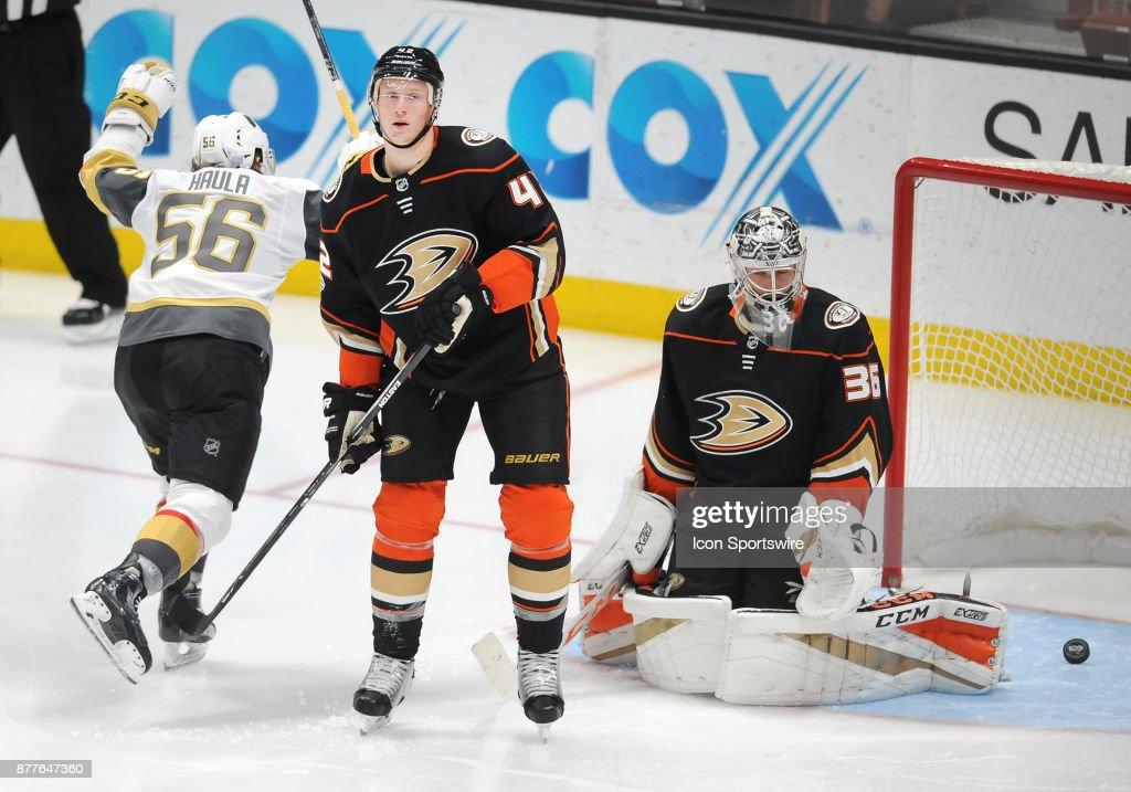 NHL: NOV 22 Golden Knights at Ducks : News Photo