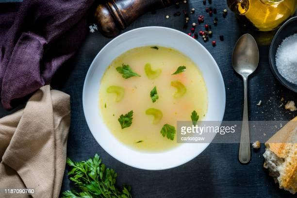 caldo vegetal - chicken soup - fotografias e filmes do acervo