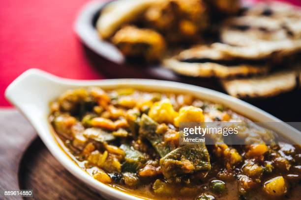 皿の上の野菜カレー。北インド料理