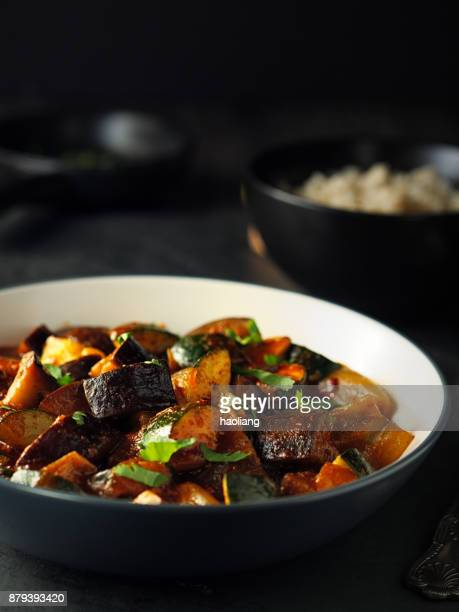 Vegetable curry with brown rice