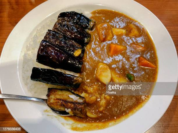 vegetable curry with eggplant and rice. - yōshoku photos et images de collection