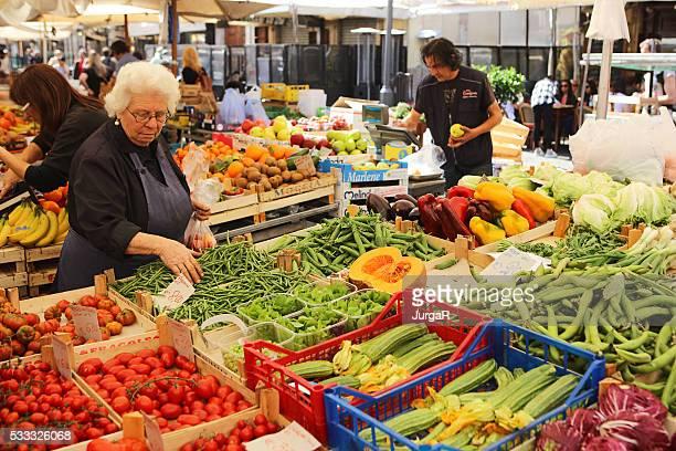 Gemüse Marktstand in Campo de'Fiori in Rom