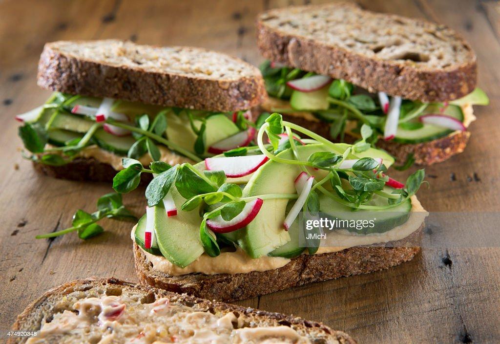 Gemüse Sandwich's auf rustikalen Holz-Hintergrund. : Stock-Foto
