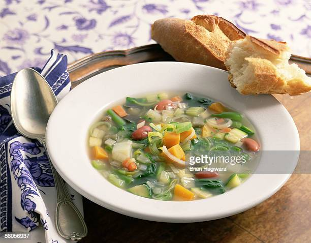 Vegetable soup with leeks