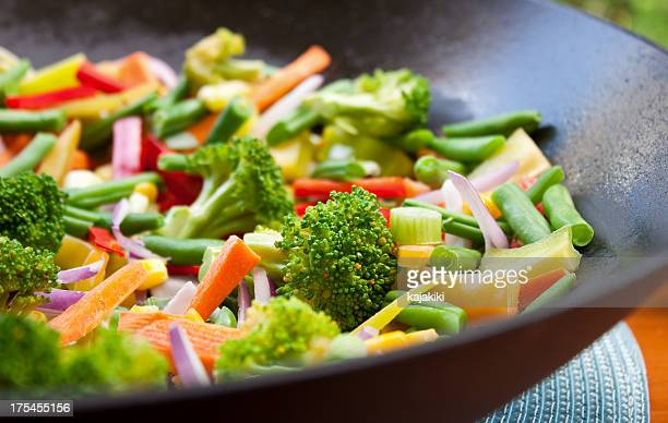 vegetable stir fry - stir fried stock pictures, royalty-free photos & images