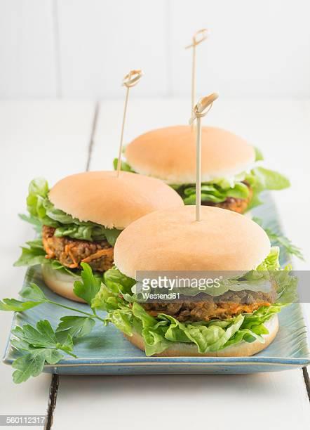 Veggie burgers with lentil dumplings