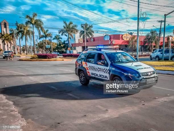 車両、マトグロッソ州の軍事警察 - ルーカスはリオヴェルデ、マトグロッソ、ブラジを行います - クイアバ ストックフォトと画像