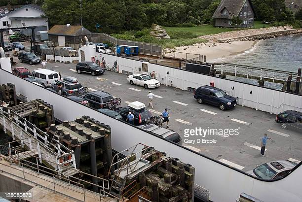 vehicles boarding ferry from martha's vinyard, ma - martha's_vineyard stock pictures, royalty-free photos & images