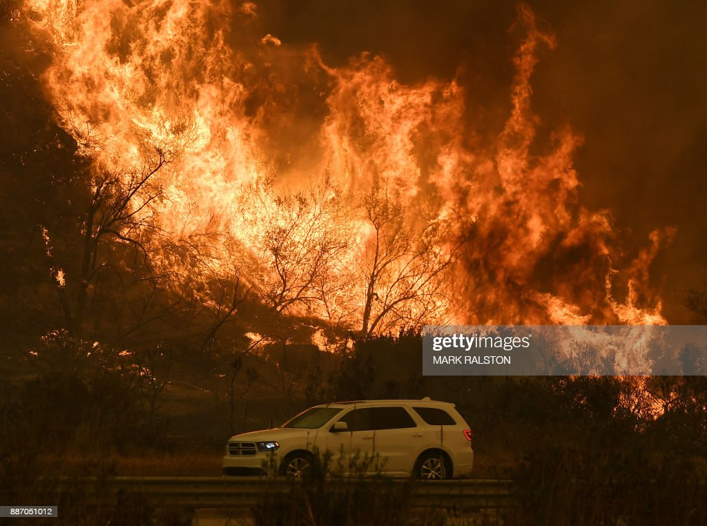 US-WEATHER-FIRES-CALIFORNIA : News Photo