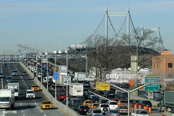 Vehicles travel towards the Triboro Bridge December 20 2005 in the Astoria neighborhood of New York City More than 30000 New York City transit...