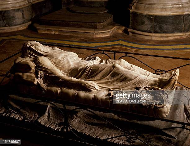 Veiled Christ marble sculpture by Giuseppe Sanmartino , nave of Sansevero Chapel, Naples, Campania. Italy, 18th century.
