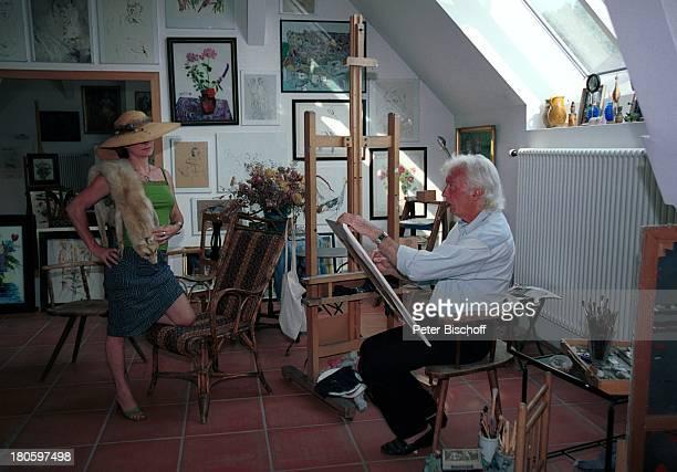 Veit Relin Ehefrau Angelika Relin Homestory TorturmTheater Sommerhausen bei Würzburg Bilder Gemälde Maler Regisseur Bühnenbildner Staffelei Zeichnen...