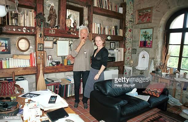 Veit Relin Ehefrau Angelika Relin Homestory TorturmTheater Sommerhausen bei Würzburg Bilder Gemälde Maler Regisseur Bühnenbildner Pfeife rauchen...