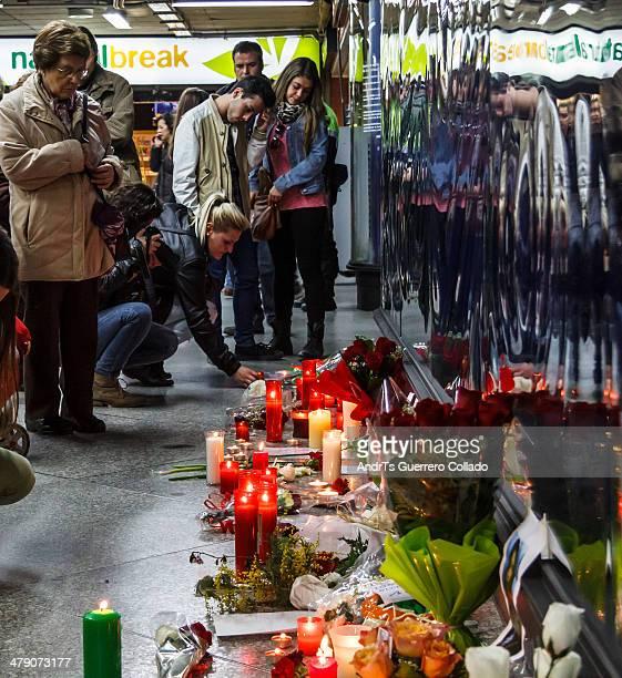 Velas y flores en la sala conmemorativa en el 10 aniversario de los atentados del 11 de marzo de 2004. Candles and flowers at Commemoration Hall in...