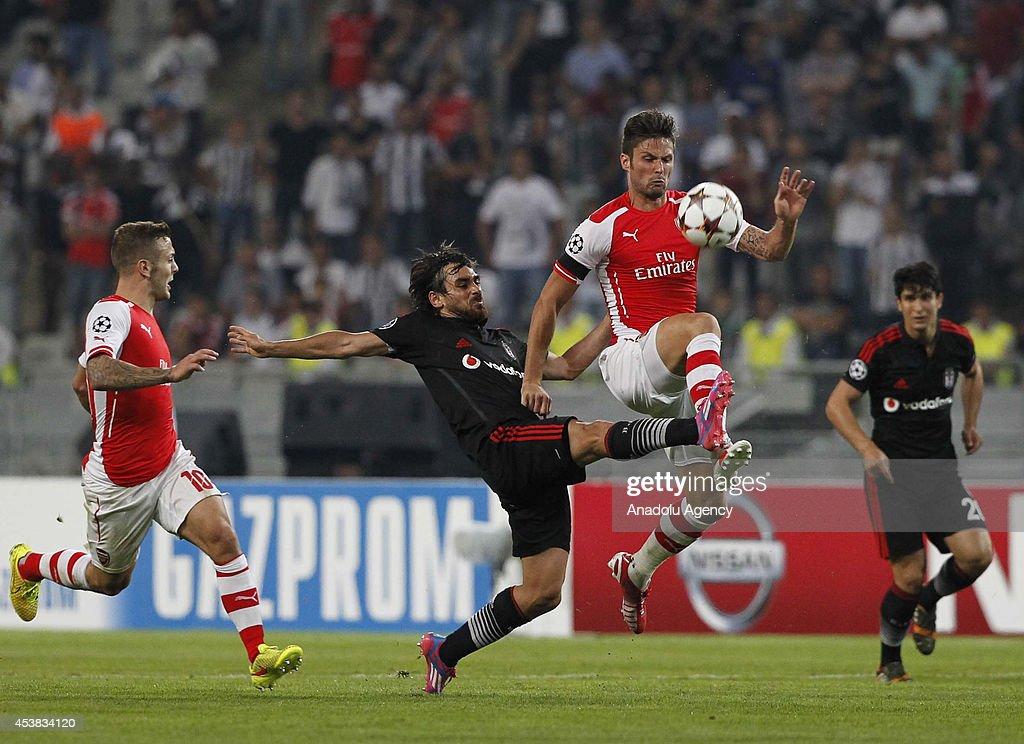 UEFA Champions League play-off first leg match Besiktas v Arsenal : News Photo