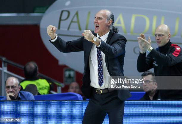 Velimir Perasovic, head coach of Baskonia, gestures during the Turkish Airlines EuroLeague basketball match played between Real Madrid Baloncesto and...