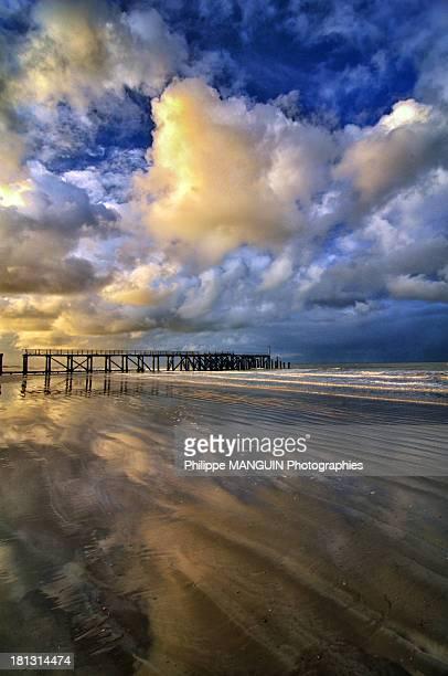 vendée sunset - loire atlantique photos et images de collection