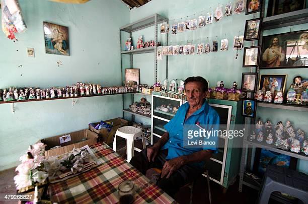 Vendedor de produtos religiosos em Juazeiro do Norte | Religious products salesman in Juazeiro do Norte, Brazil. | Padre Cícero, Fé, Igreja Católica,...
