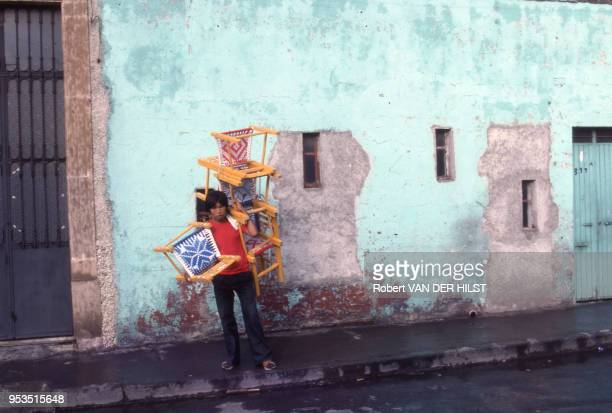 Vendeur de chaises en septembre 1982 Mexique