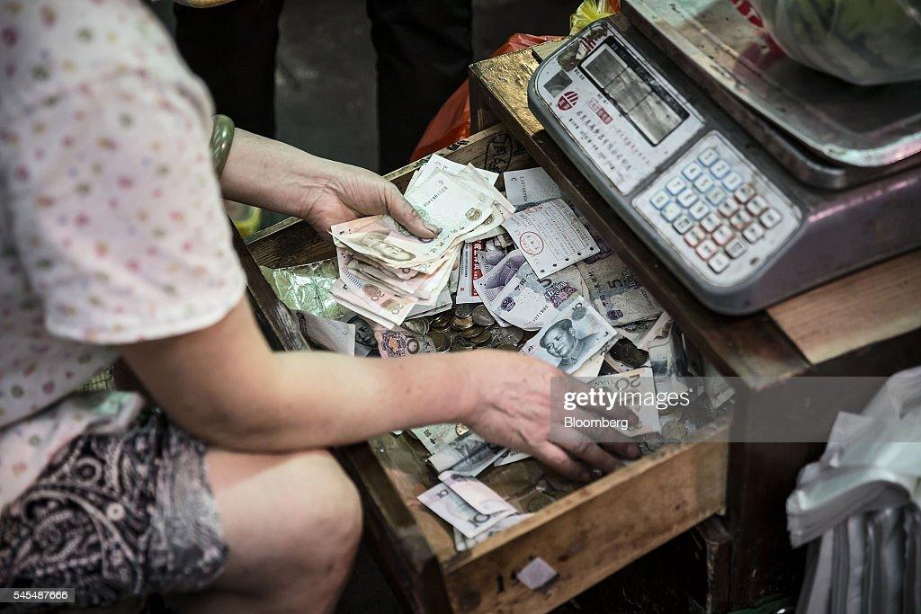 Shanghai Retail Economy Ahead Of China Consumer Price : News Photo