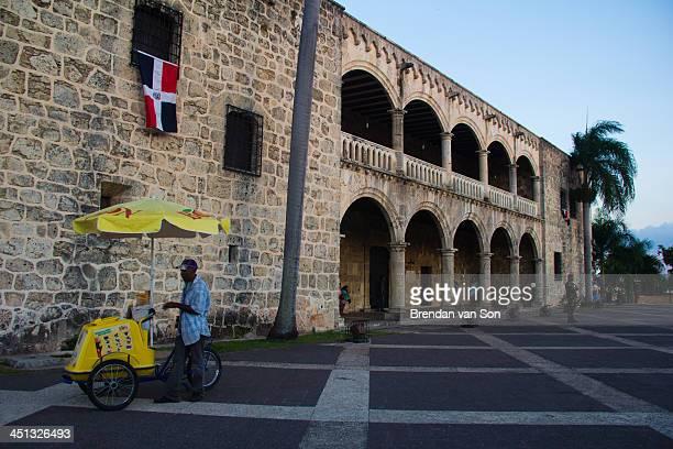 CONTENT] A vendor downtown in the city of Santo Domingo in the Dominican Republic