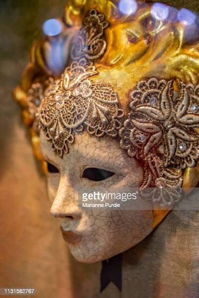 venetian mask - cultura italiana fotografías e imágenes de stock