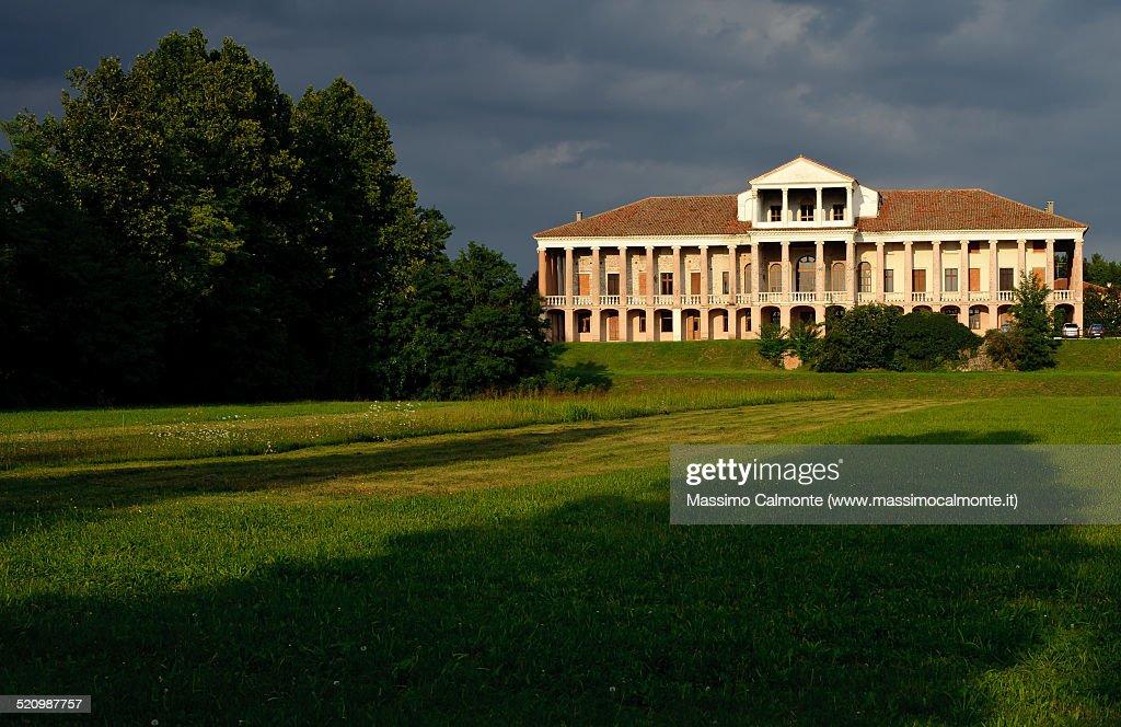 bene nuova versione colore attraente Venetian Villa Morosini Cappello Cartigliano High-Res Stock ...