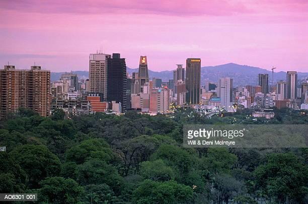 venezuela, caracas, city skyline at dusk - カラカス ストックフォトと画像