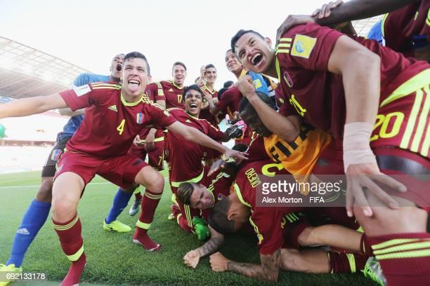 Venezuela players celebrate at the final whistle during the FIFA U20 World Cup Korea Republic 2017 Quarter Final match between Winner Venezuela and...