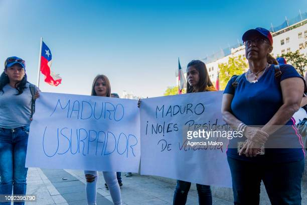 Venezuelan citizens living in Chile protest against the reelection and new mandate of the President of Venezuela Nicolas Maduro on January 10 2019 in...