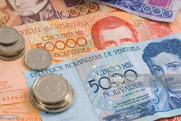 venezuelan coins and notes, close up - venezuelan bolívar currency stock pictures, royalty-free photos & images
