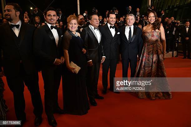 Venezuelan director Jonathan Jakubowicz producer Robin Duran Panamanian boxer Roberto Duran and his wife Felicidad Venezuelan actor Edgar Ramirez US...