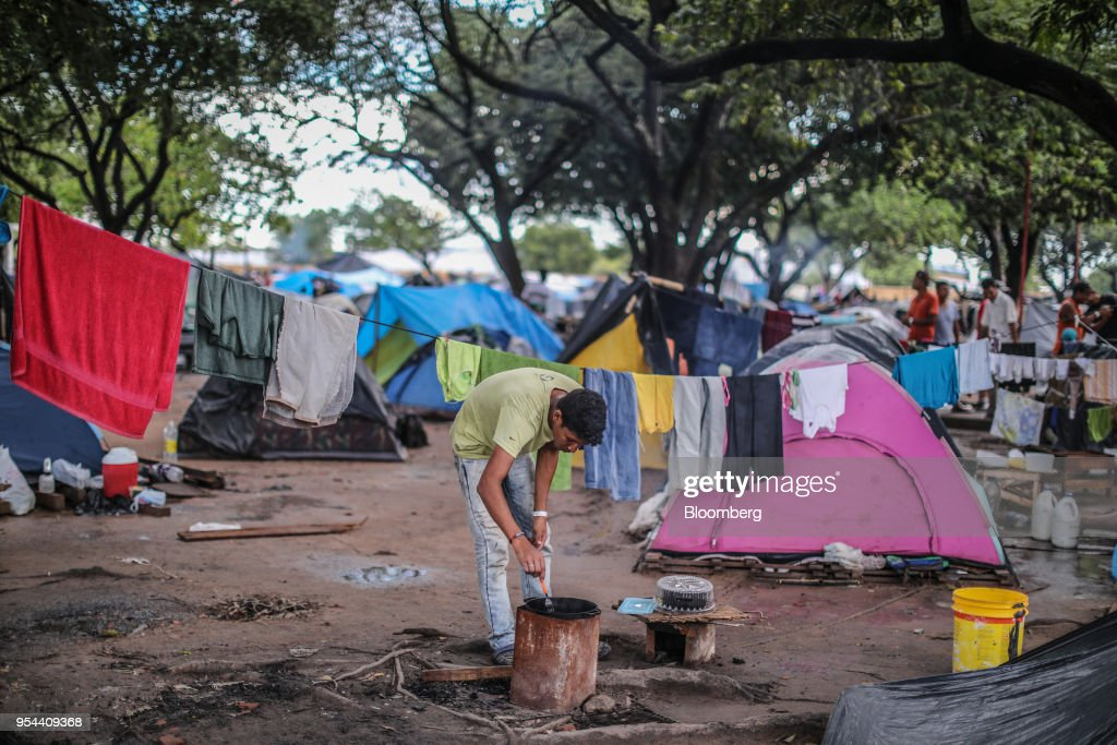 Brazilian Government And The United Nations Aid Venezuelan Immigrants As Crisis Continues : News Photo
