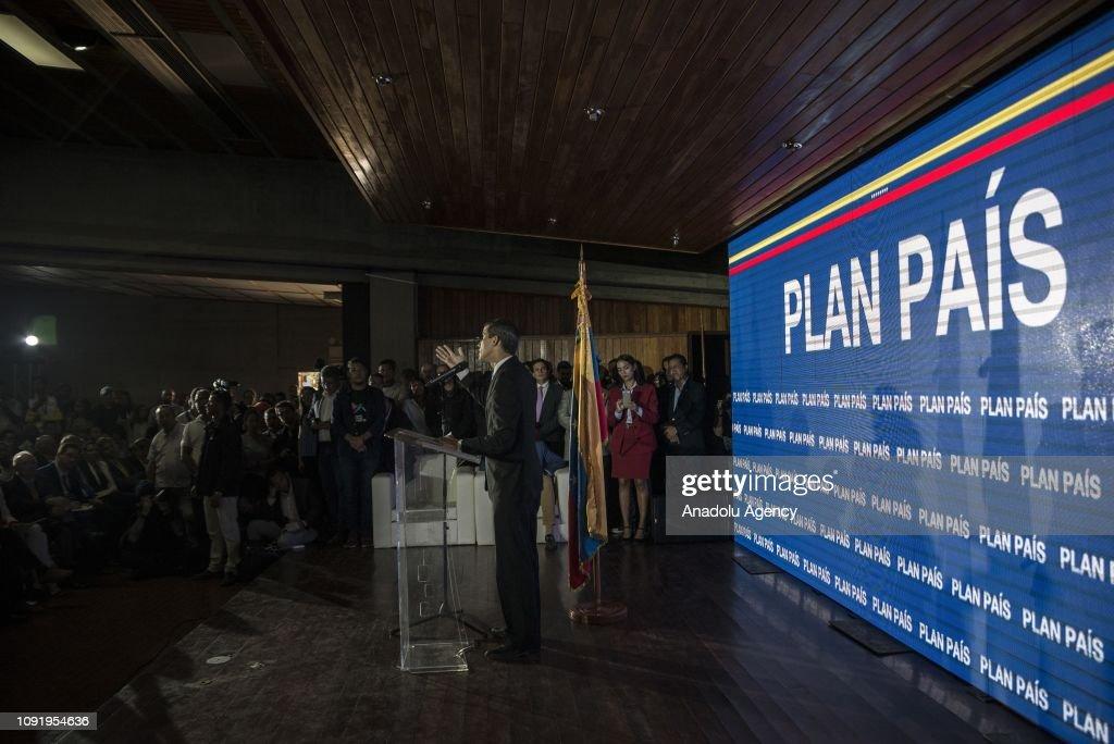 Venezuelan National Assembly's President Juan Guaido... : News Photo