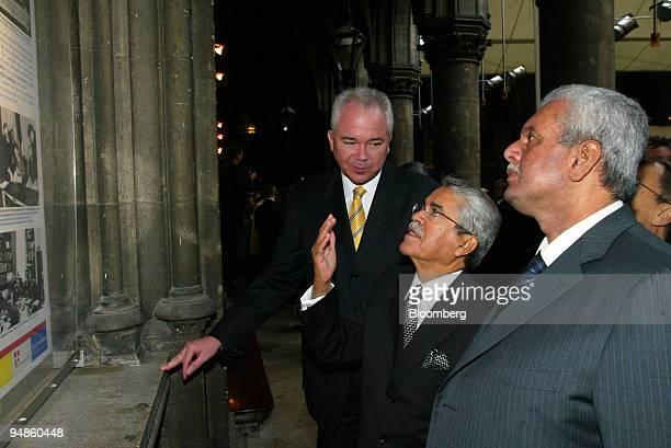 Venezuelan oil minister Rafael D Ramirez left Saudi Arabian oil minister Ali alNaimi and Qatari oil minister Abdullah bin Hamad Al Attiyah view a...