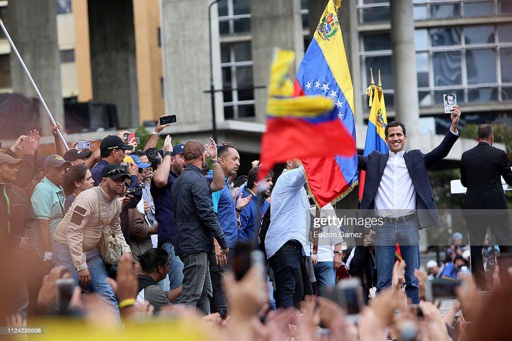 Venezuelan Opposition Leader Declares Self Interim President : News Photo