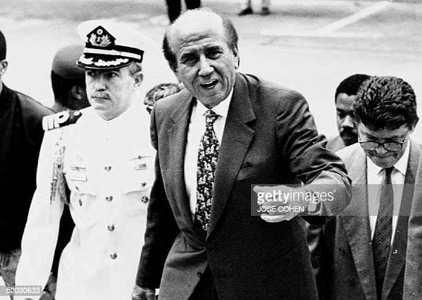 Venezuelan President Carlos Andres Perez arrives at the White Palace in Caracas 07 May 1993 for a meeting of Venezuelan governors At the meeting...