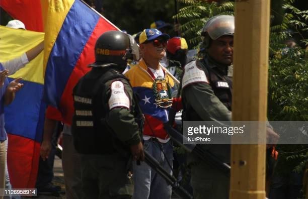 Venezuelans marched on February 23 to demand the entry of humanitarian aid in Maracaibo Venezuela They were violently repressed by the Bolivarian...