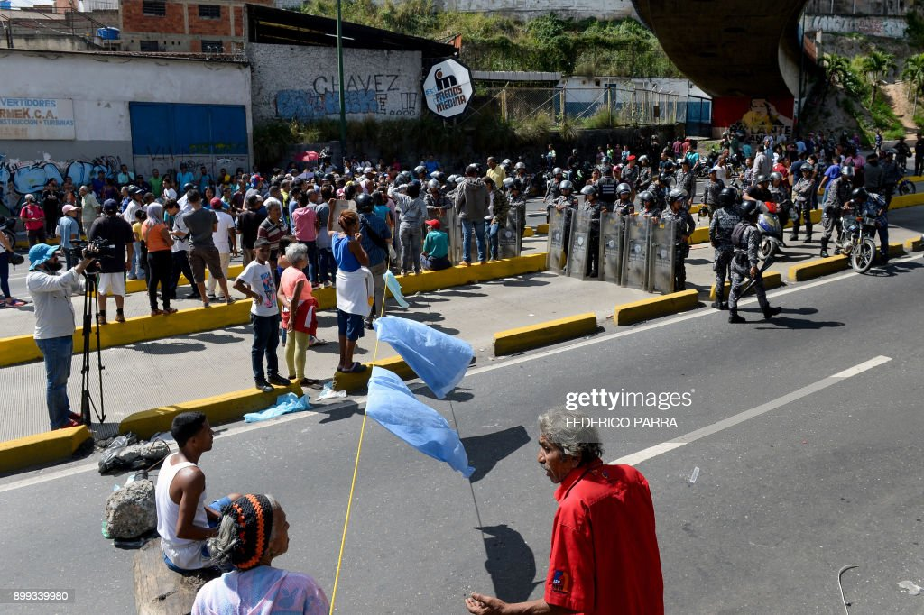VENEZUELA-CRISIS-FOOD-SHORTAGE-PROTEST : News Photo