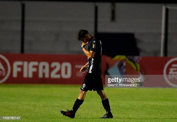 Venezuela's Zamora forward Manuel Arteaga gestures during their Copa Sudamericana football match against Uruguay's Plaza Colonia, at Alberto Suppici...