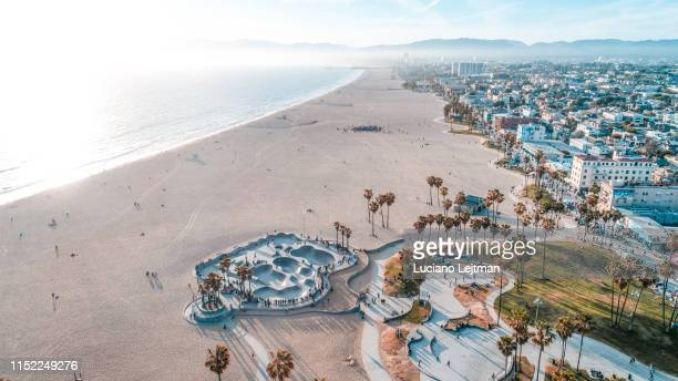 venice beach aerial skatepark - santa monica los angeles foto e immagini stock