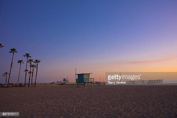 venice beach at dusk - カリフォルニア州 ベニス ストックフォトと画像