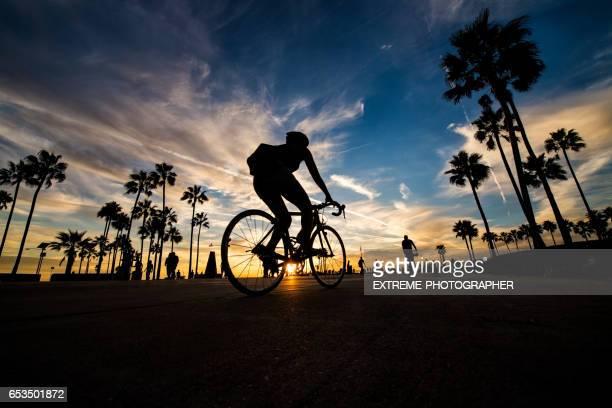 ベニスのビーチの夕暮れ - カリフォルニア州 ベニス ストックフォトと画像