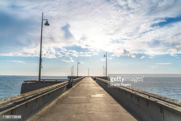 venice beach boardwalk pier- empty with no people - カリフォルニア州 ベニス ストックフォトと画像