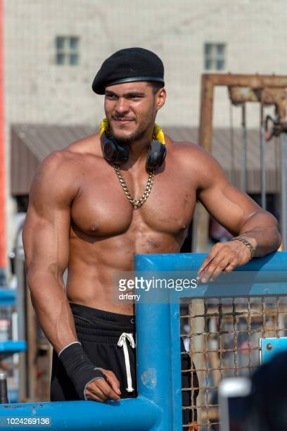 venice beach weightlifter - handsome bodybuilders stock pictures, royalty-free photos & images