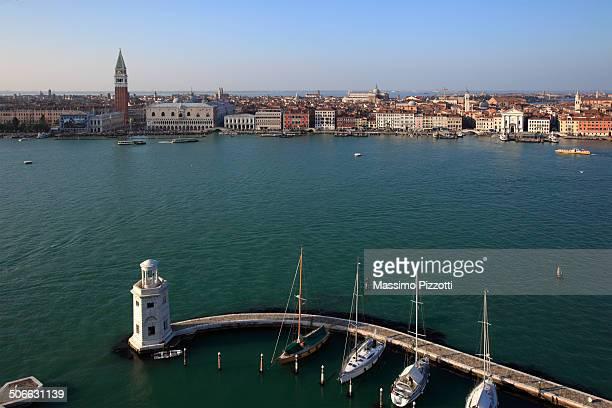 venice cityscape and grand canal - massimo pizzotti foto e immagini stock