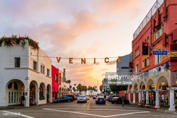 venice during sunset, los angeles, california, usa - de stad los angeles stockfoto's en -beelden