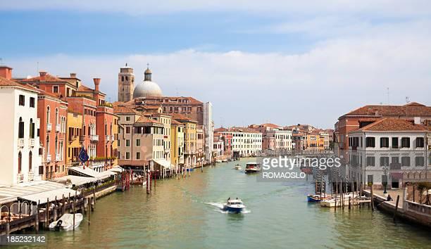 venedig canal grande-szene, veneto, italien - vaporetto stock-fotos und bilder